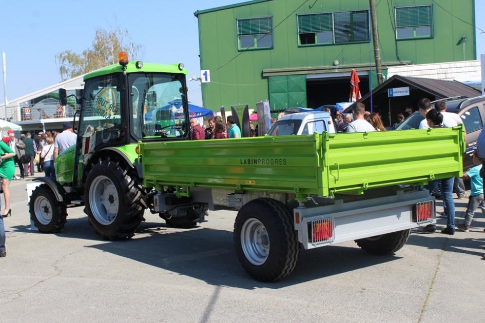 tractor543x